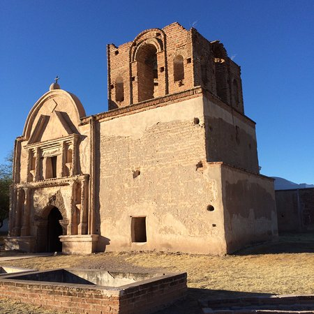 Tubac, Аризона: The Tumacacori Mission at Tumacacori National Park