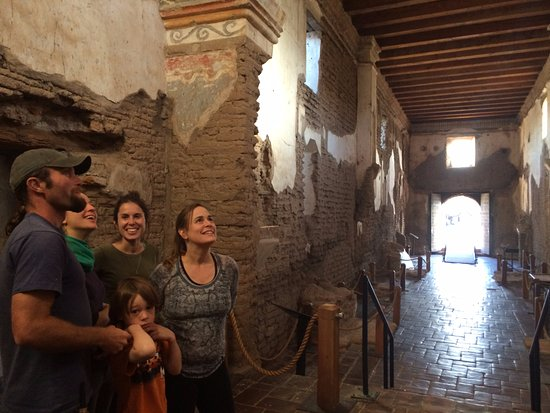Tubac, Аризона: A tour of the mission at Tumacacori National Park