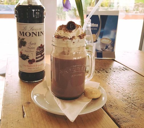 Barry, UK: Black Forest Hot Chocolate