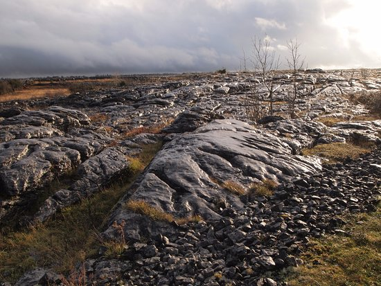Кинвара, Ирландия: The Burren, beyond Cooloorta, Boston, Co. Clare