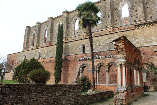 Chiusdino, Włochy: abbazia