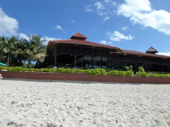Royal Level at Occidental Cozumel: Beach restaurant