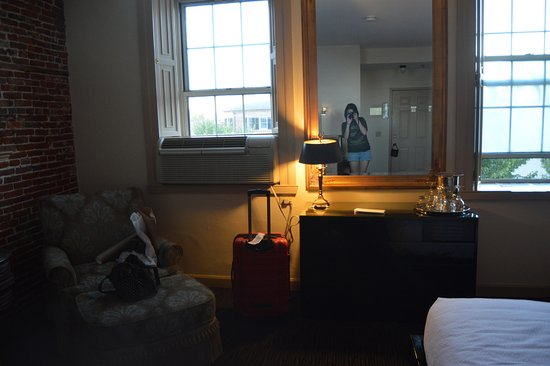 Garrison Inn Boutique Hotel: Our room with windows overlooking the square