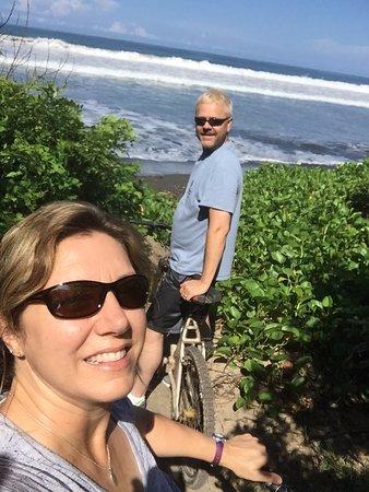 Playa Grande, คอสตาริกา: Bike riding the dirt roads