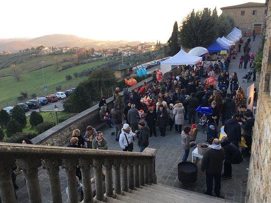 """Barberino Val d'Elsa, Italia: """"Il Borgo di Babbo Natale"""""""