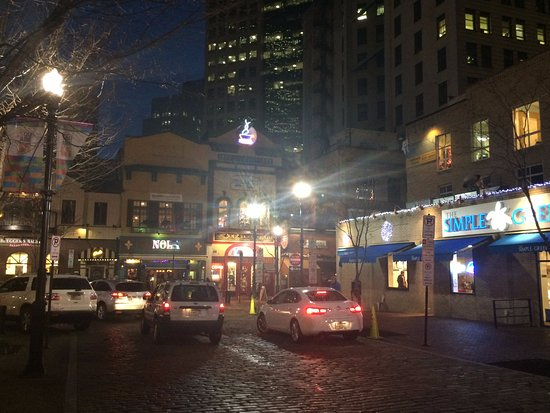 Restaurants S Around The Market Square