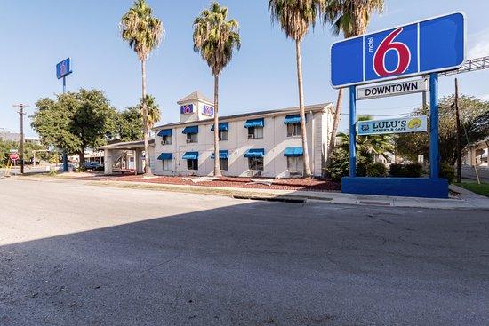 Photo of Motel 6 San Antonio Downtown - Riverwalk