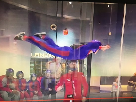Spinning top 2 - Picture of iFLY Indoor Skydiving - Atlanta