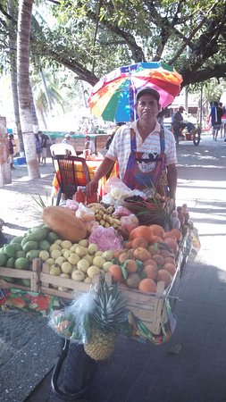 cafe marina : Jonnie and his mercardo movil is one of the local vendors who strolls by and sells near Joe's