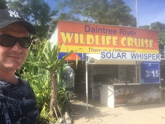 Daintree, Αυστραλία: Low tech shop front compliments the remoteness of this wilderness, crocs or not it's a lovely sc