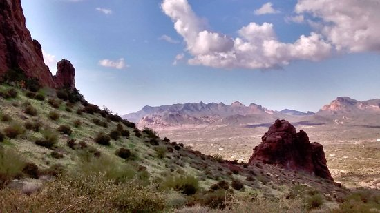 Lost Dutchman State Park: Layers everywhere!