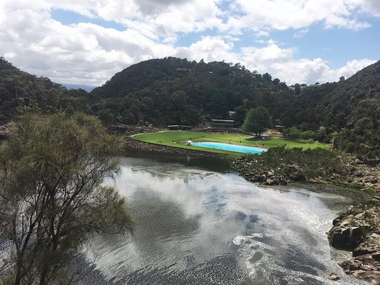 Launceston, Australien: View down into the gorge from the walking track