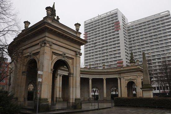 Marion-Grafin-Donhoff-Platz