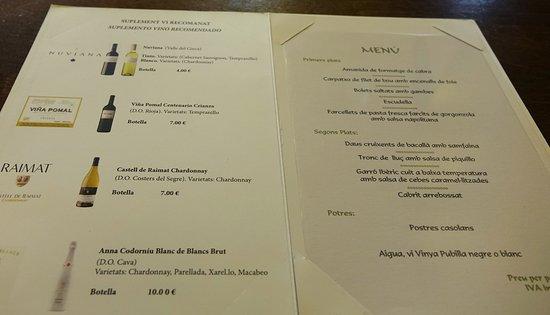 La Torreta de Remolins: El menú con carta de vinos (buenos precios).