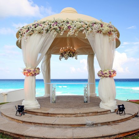 Outdoor Gazebo Decorated For A Wedding Picture Of Jw Marriott