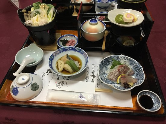 Setouchi, Japonia: 温泉は循環ですが、景色が最高。料理もまずまず、魚介は良いです。