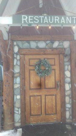 Ньюберг, Орегон: Front door
