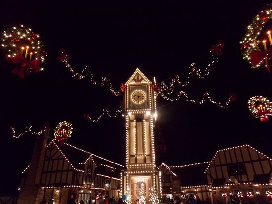 Busch Gardens Williamsburg: Beautiful Lights Everywhere