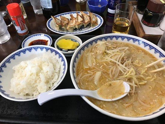 Shokudo Misa Michi-no-Eki Arai: 味噌ラーメン並+半ライス、焼き餃子