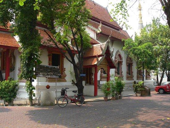 Wat Puak Tam