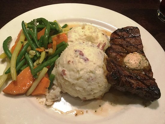 Secaucus, NJ: Steak and two sides