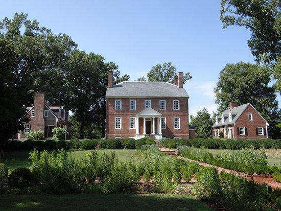 Fredericksburg, VA: the front of the homestead