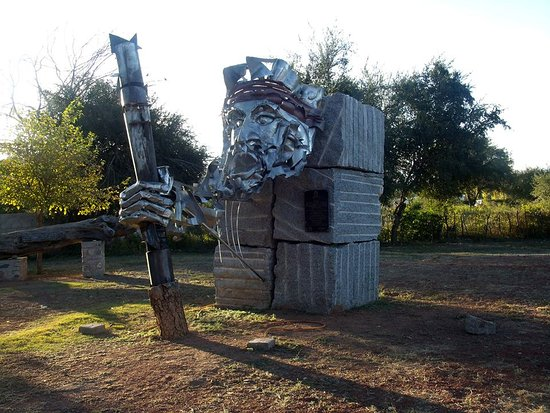 Olta, อาร์เจนตินา: Escultura donada por Nación