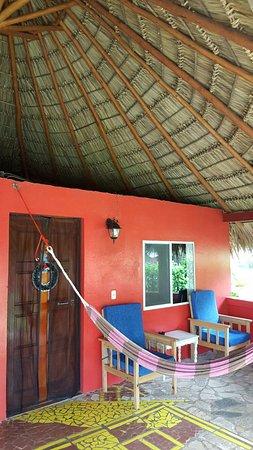 Paraiso Beach Hotel: Our cabana/porch