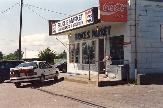 Maple Ridge, Canadá: Bruce's Market's humble beginnings in Albion.