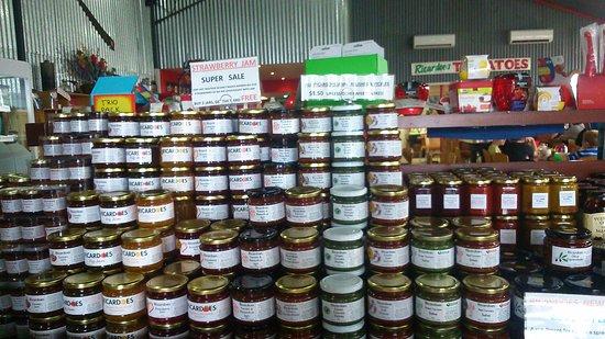 Ricardoes Tomatoes and U-Pick Strawberry Farm