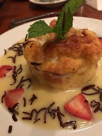 Cedar Rapids, IA: White Chocolate Bread Pudding
