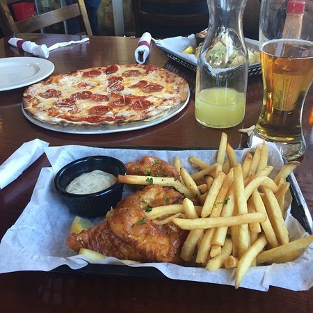 Oakhurst, CA: Great food to go with our drinks