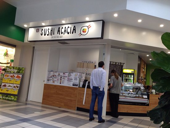 ‪‪Acacia Ridge‬, أستراليا: Shopfront - outside entrance to Woolworths‬