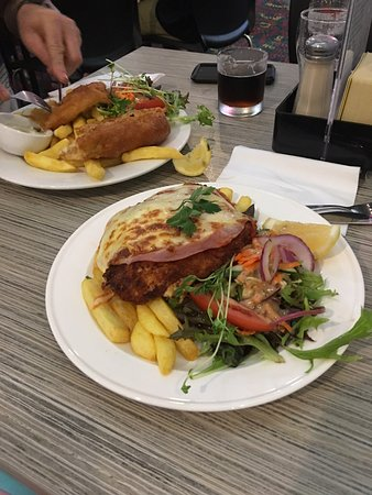 Coolum Beach, Australia: Chicken Parma and Fish & Chips. Look better than they tasted.