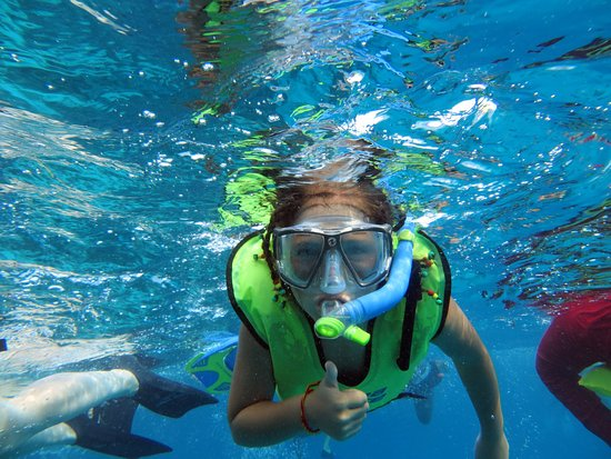 Caye Caulker, Belize: snorkeling with Carlos tours