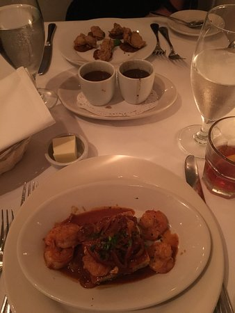 Upperline Restaurant: Oysters St Claude, Spicy Shrimp & Cornbread, gumbo and turtle soup tastes