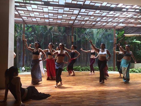 Lautan Kupu - Kupu Villas: Lush dance and yoga space