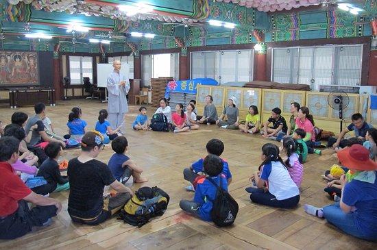 Кванджу, Южная Корея: 무등산 증심사 템플스테이 -\