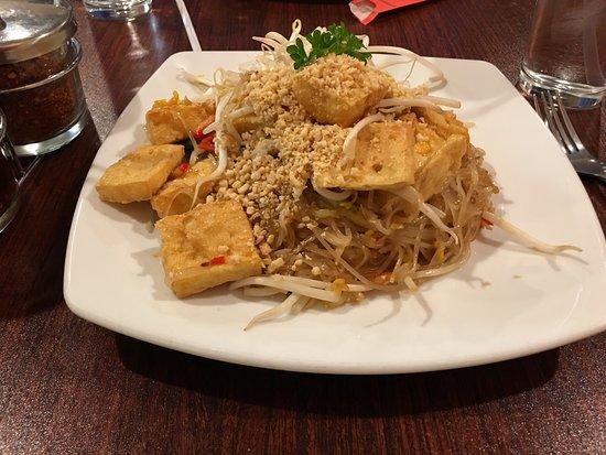 Lorton, VA: Pad Thai with Tofu