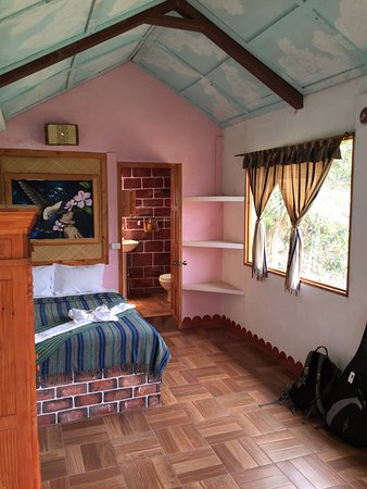 Eco Hotel Uxlabil Atitlan: Room 4D - highly recommended.