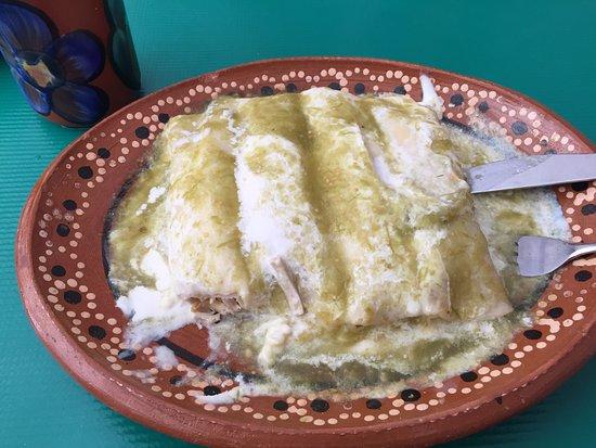 Restaurant La Lomita: Enchiladas Suizas