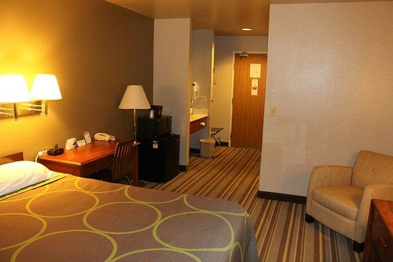Super 8 Buena Vista: room 214