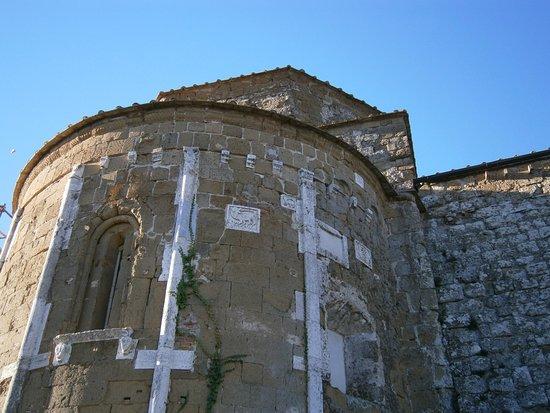 Sovana, Italien: Esterno dell'abside
