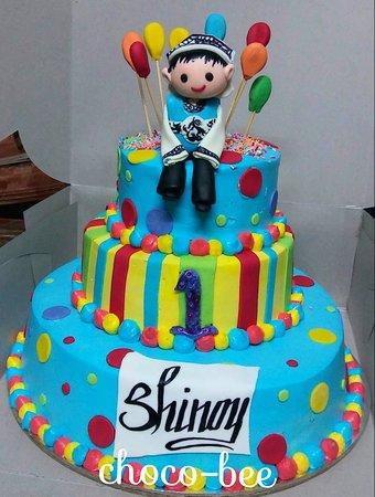 Surprising 3 Tier Cake Picture Of Choco Bee Noida Tripadvisor Funny Birthday Cards Online Chimdamsfinfo
