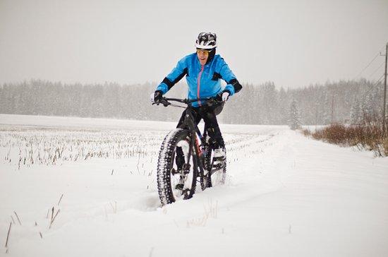Jarvenpaa, Finnland: Wintercycling with Fatbike