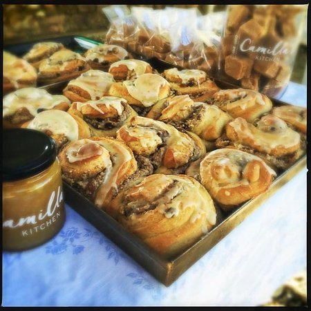 Prince Albert, Sudáfrica: Chelsea buns with sunflower seed & almond butter filling. Up for the mayor's 'best breakfast' aw