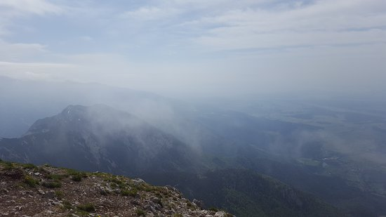 Kranj, Slovenien: it was a cloudy and windy day it took us 4 hours to the top from Mače
