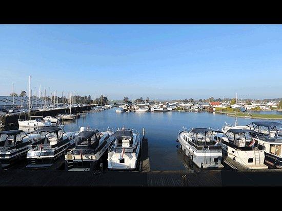 Haven Yachtcharter de Brekken Lemmer friesland Holland