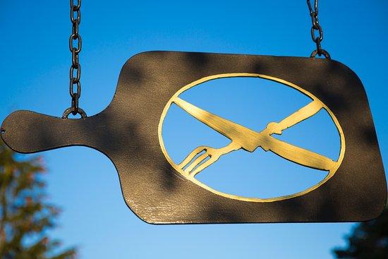 Grünbach-Muldenberg, Deutschland: Weithin sichtbar ist unser Flammkuchenbäcker-Schild