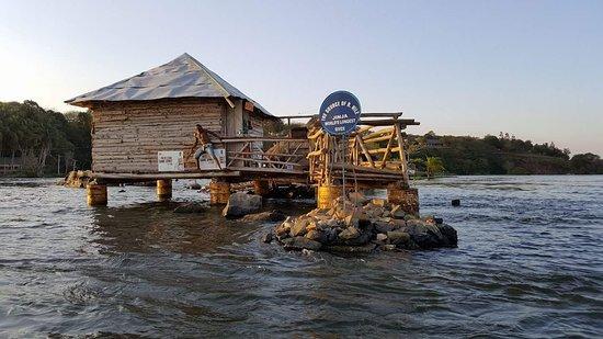 Jinja, Uganda: Source of the Nile - Speke Monument